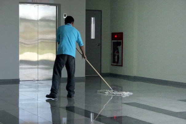 As an insured and bonded cleaning company in Suwanee, Georgia, we clean office buildings but also do move-in cleaning, move-out cleaning, post-construction cleaning, carpet cleaning, and VCT stripping and polishing.